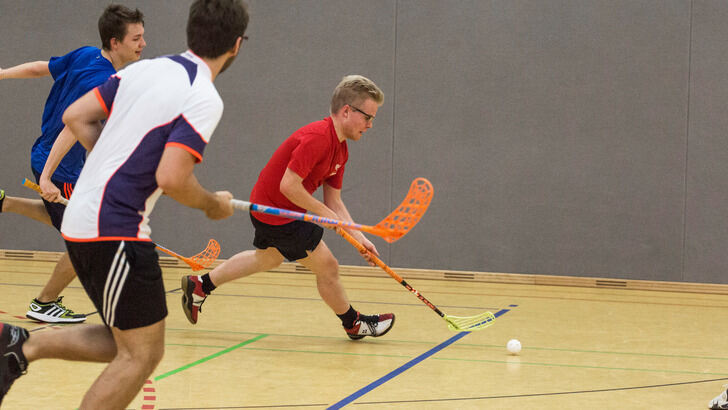 Floorball dribbling